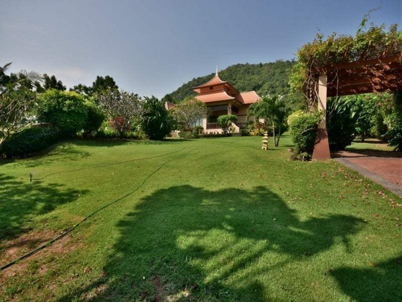 Balinese style villa for sale Dolphin Bay rear garden