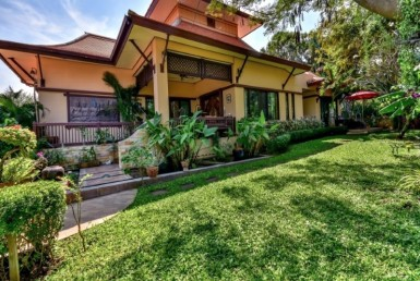 Sam Roi Yod balinese villa for sale front