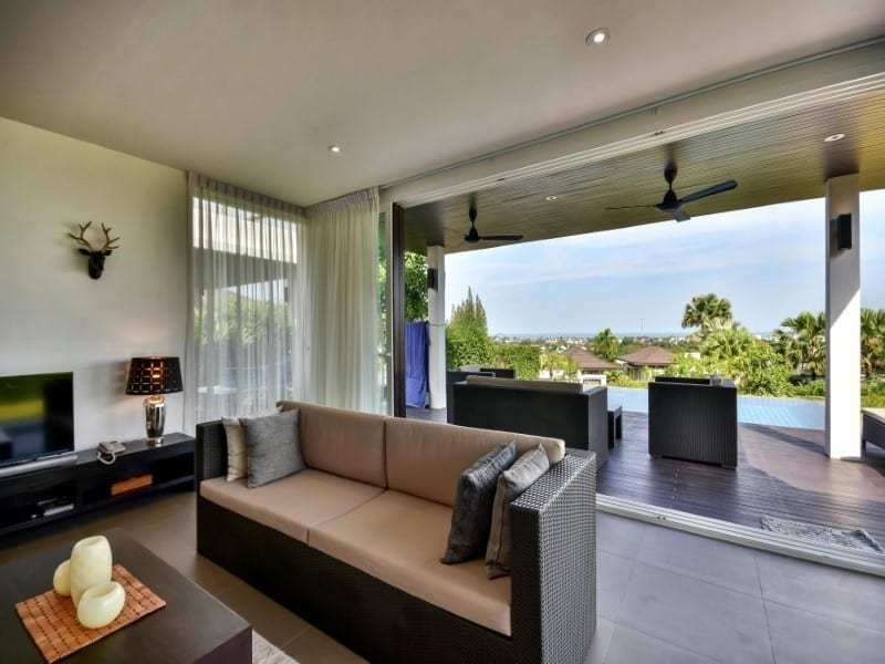 Sea view bungalow for sale Hua Hin lounge view