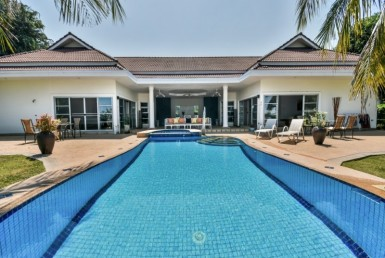 Cheap Hua Hin Palm Hills golf villa for sale