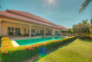 Hua Hin Orchid Palm Homes 3 resale villa Side view