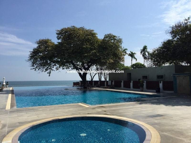 3 bed apartment for sale Hua Hin beachfront pool view