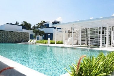 Beachfront villa for sale Hua Hin North pool