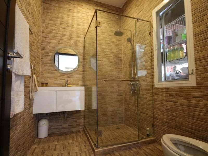 Pool villa for sale Hua Hin south bathroom