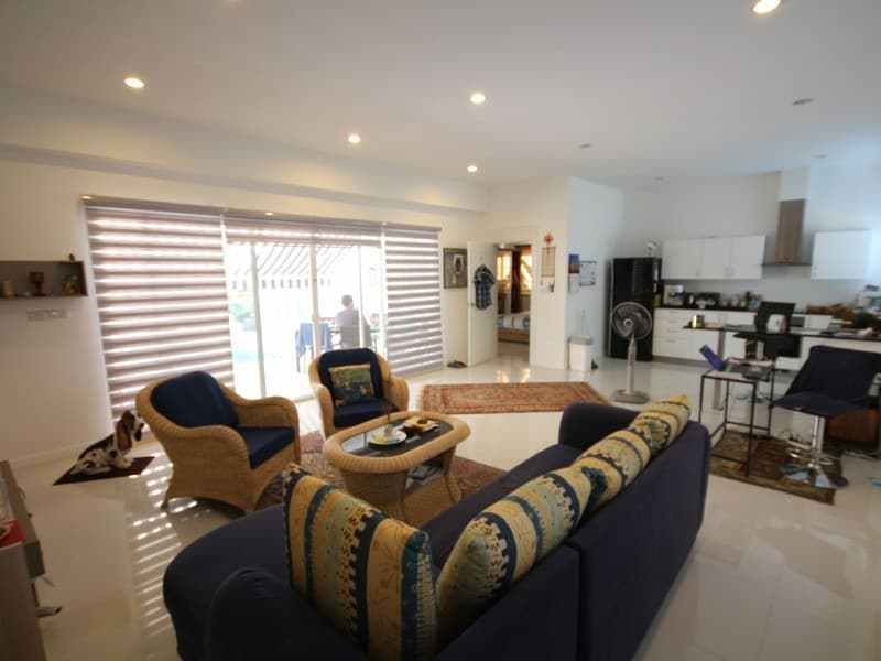 Pool villa for sale Hua Hin south dining