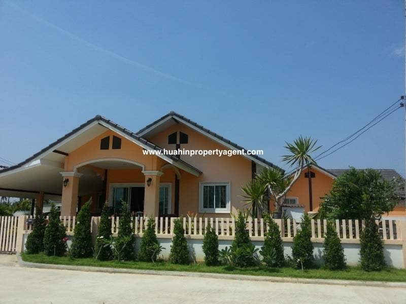 Small house for sale Hua Hin West front