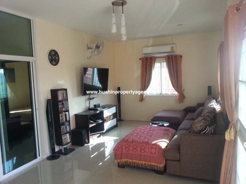 Small house for sale Hua Hin West lounge