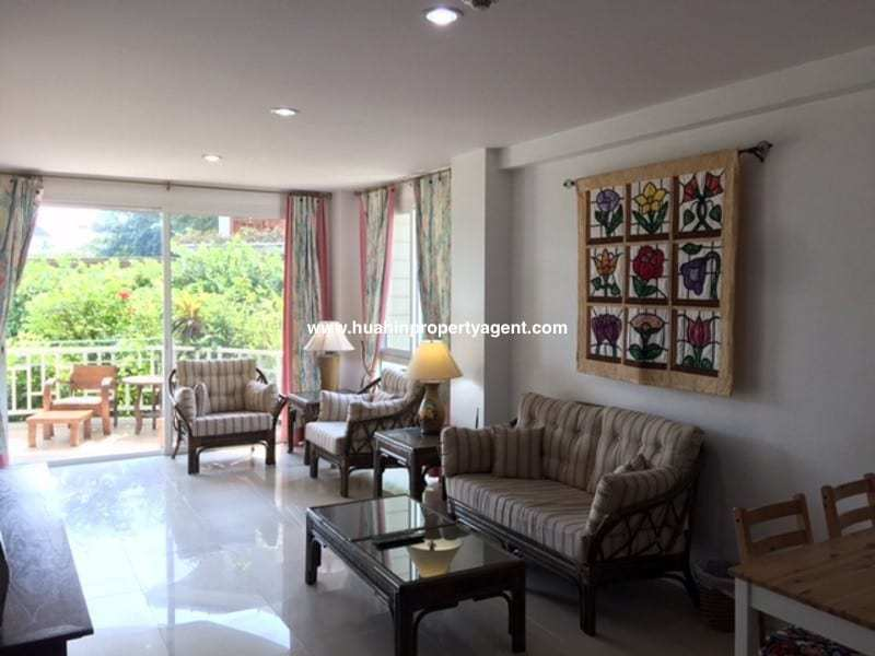 3 bedroom condo south of Hua Hin for sale lounge