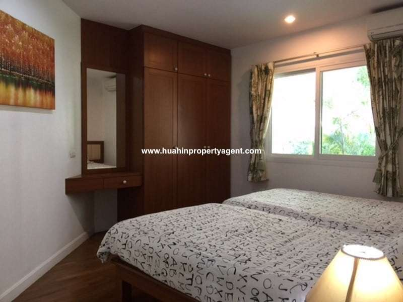 3 bedroom condo south of Hua Hin for sale twin room
