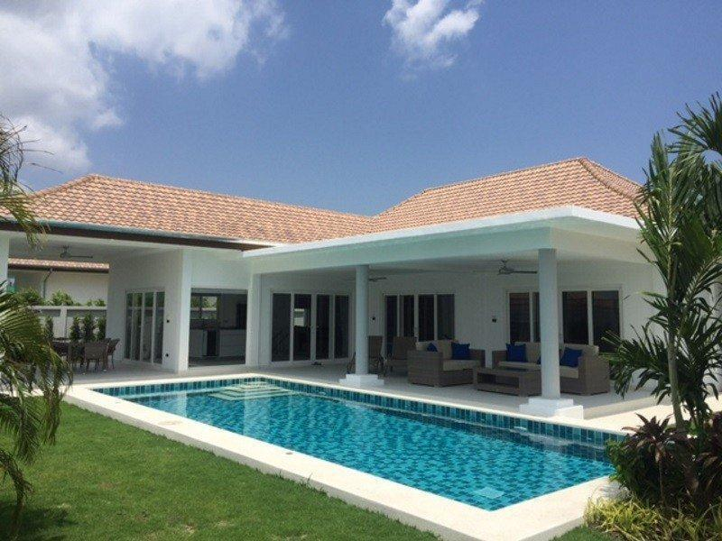Orchid Palm Homes villa for sale pool