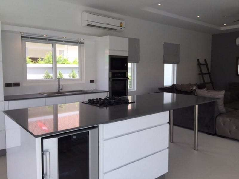 Orchid Palm Homes villa for sale breakfast bar