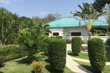 Villa with jacuzzi for sale Hua Hin garden