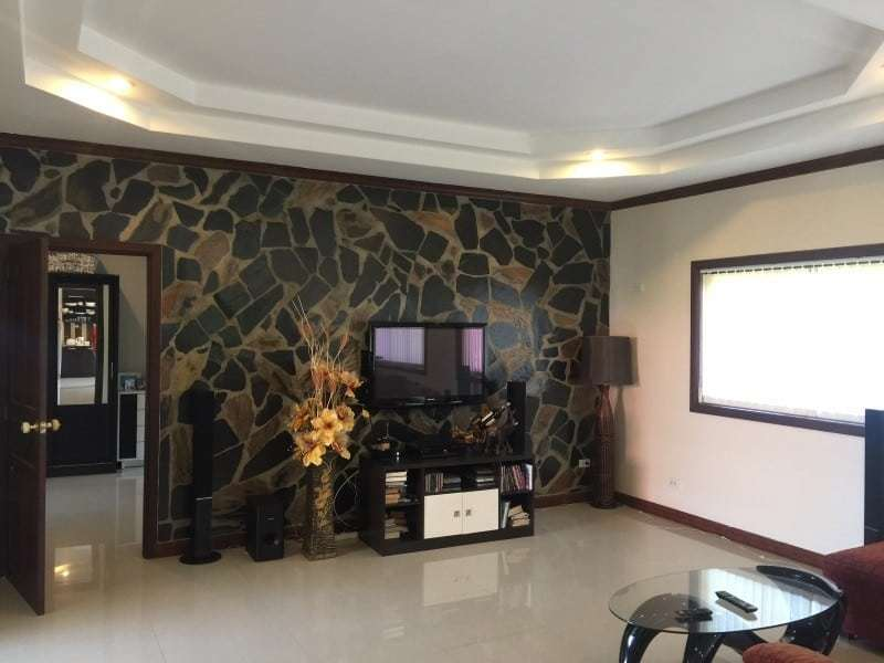 Villa with jacuzzi for sale Hua Hin lounge