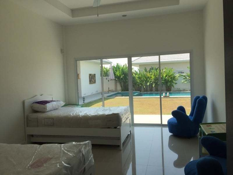 Spacious 4 bed home for sale Hua Hin twin room