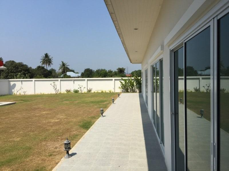 Spacious 4 bed home for sale Hua Hin veranda