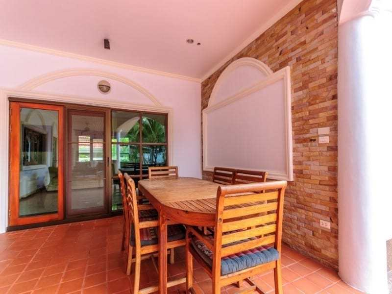 Siam Pool Villas house for sale dining