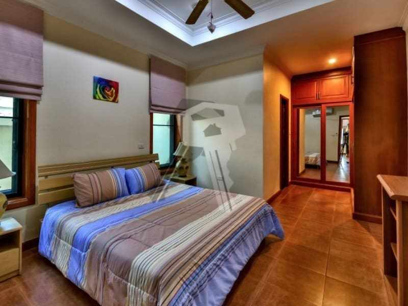 Hua Hin bungalow for sale master bedroom