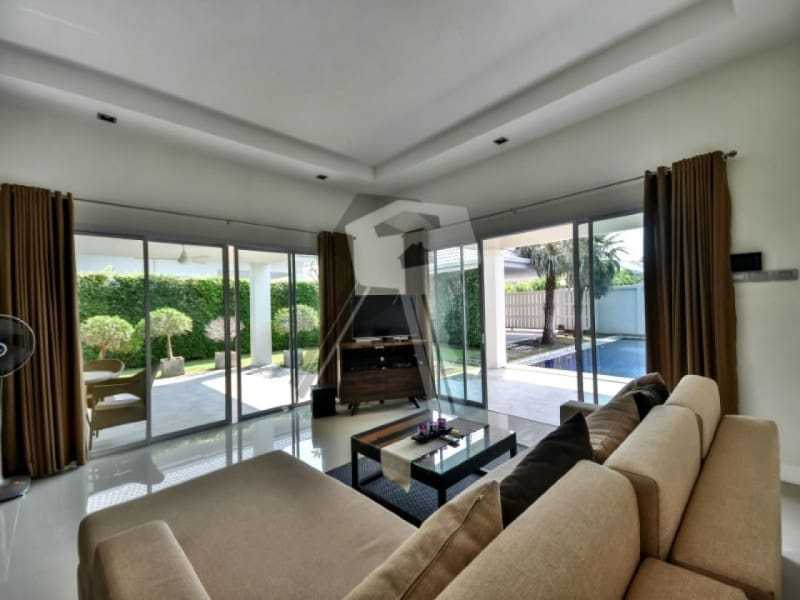 Avenue Gold house for sale Hua Hin sliding doors
