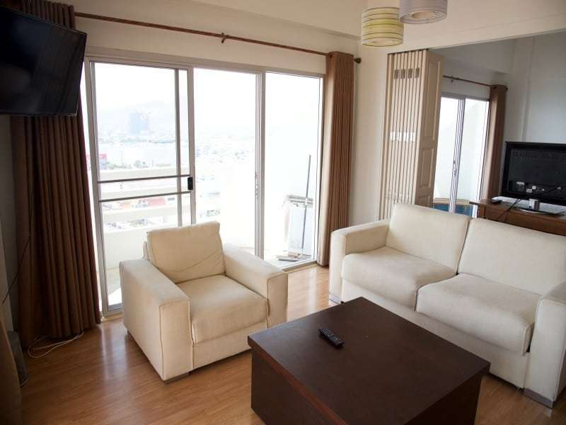 Spacious high floor sea view condo Hua Hin dining