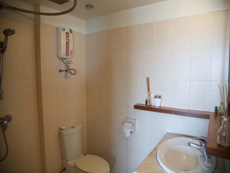 Spacious high floor sea view condo Hua Hin bathroom