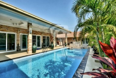 Hua Hin smart home for sale pool