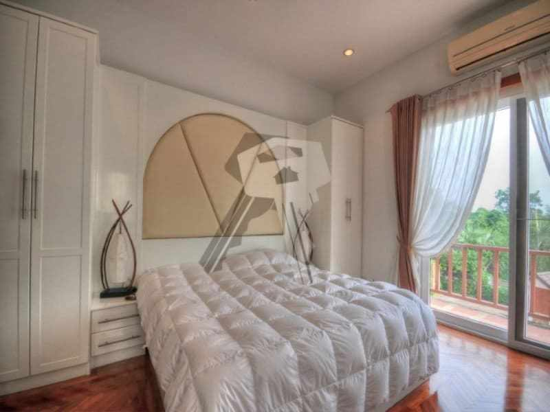 Large Hua Hin property for sale bedroom
