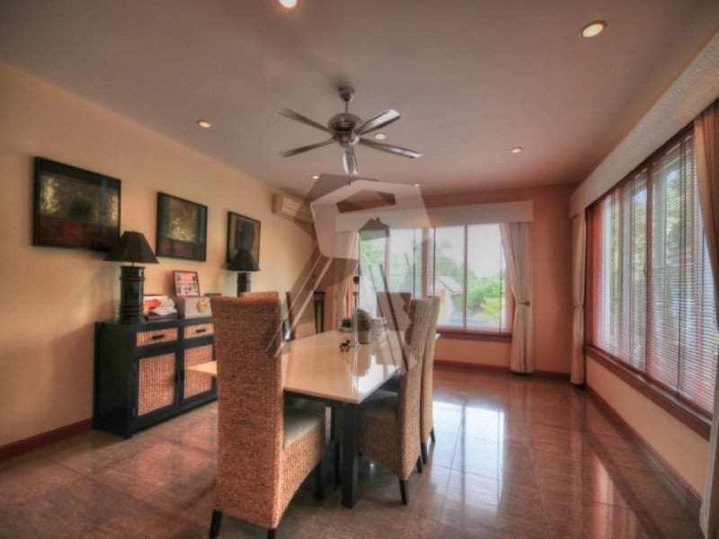Large Hua Hin property for sale dining room