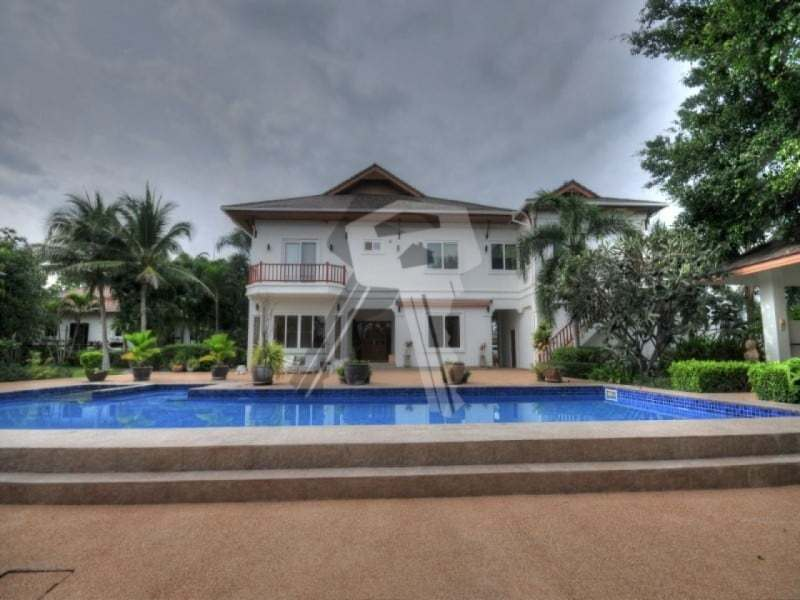 Large Hua Hin property for sale front