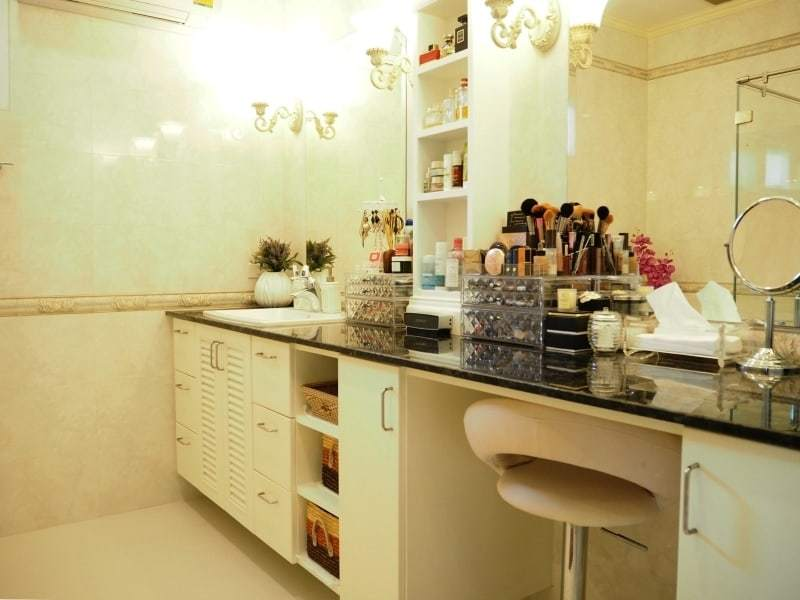 Resort home for sale Hua Hin dressing room