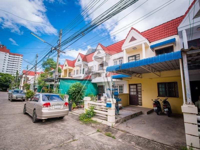 Hua Hin Townhouse for sale street view