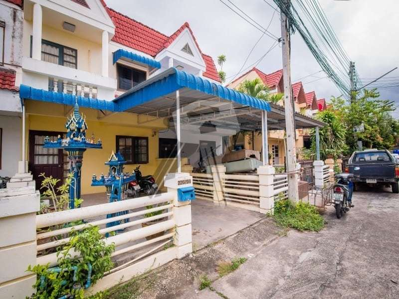 Hua Hin Townhouse for sale off road parking