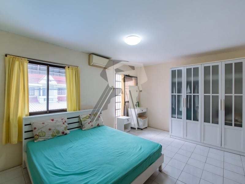 Hua Hin Townhouse for sale master bedroom