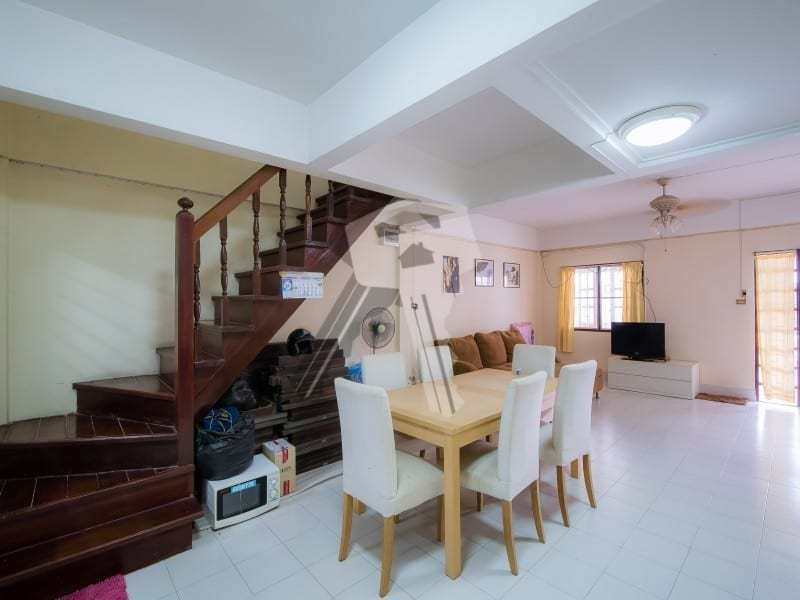 Hua Hin Townhouse for sale dining area