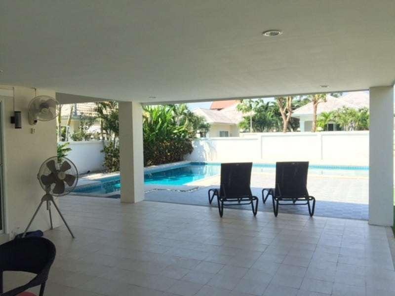 Beautiful villa for sale Hua Hin with pool terrace