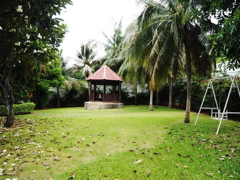 Property for sale Hua Hin on 2 levels garden pagoda