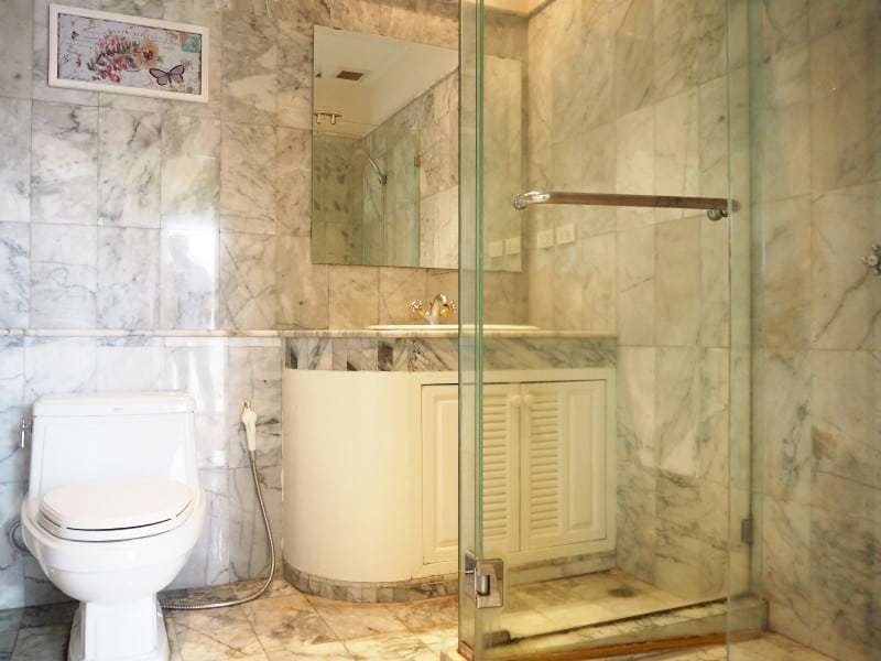 Property for sale Hua Hin on 2 levels bathroom