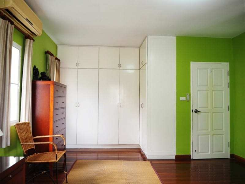 Property for sale Hua Hin on 2 levels closet