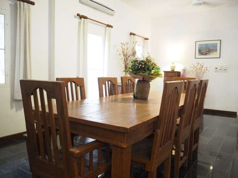 Property for sale Hua Hin on 2 levels dining table