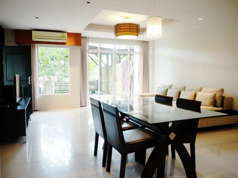 Holiday condo for sale Hua Hin north - dining