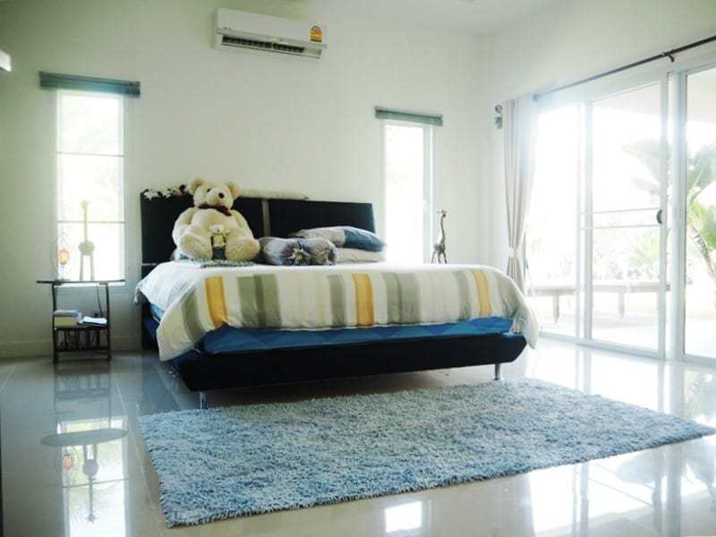 Four bedroom villa Hua hin for sale master bedroom