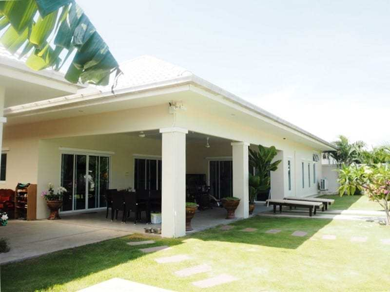 Four bedroom villa Hua hin for sale front view