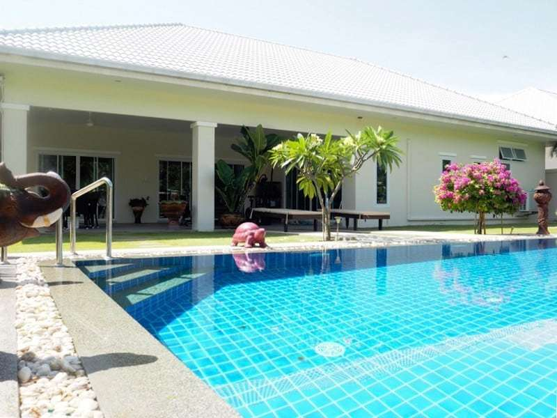 Four bedroom villa Hua hin for sale pool view