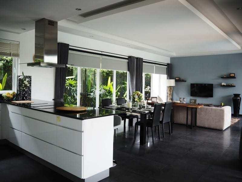 Spacious resale villa Hua Hin for sale kitchen diner