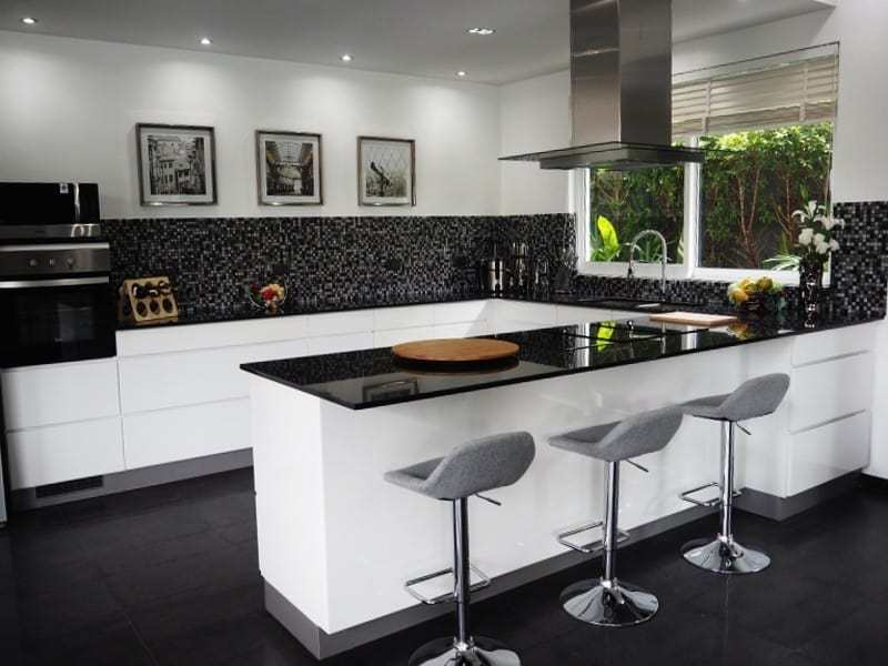 Spacious resale villa Hua Hin for sale kitchen