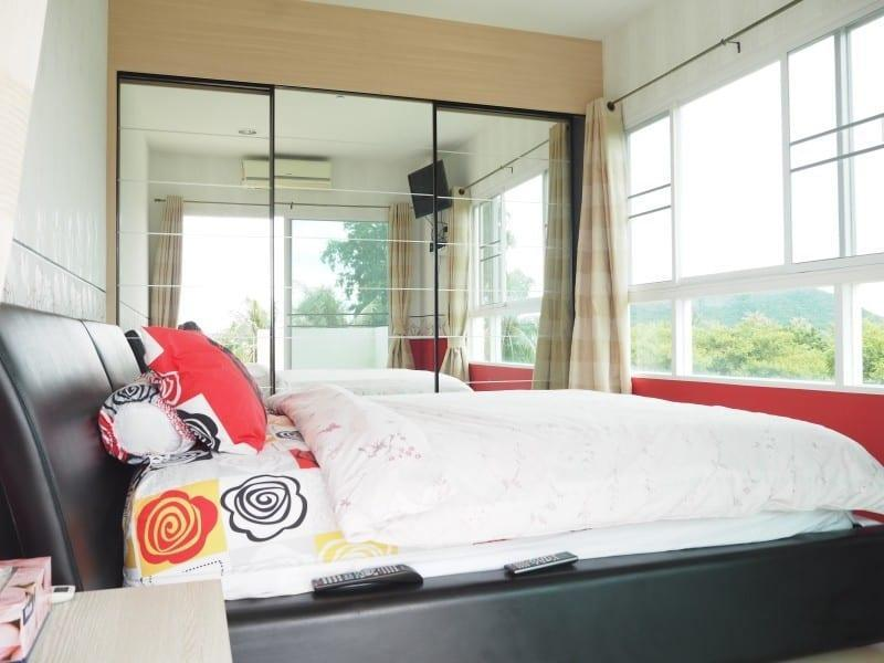 Well sized Hua Hin apartment for sale bedroom