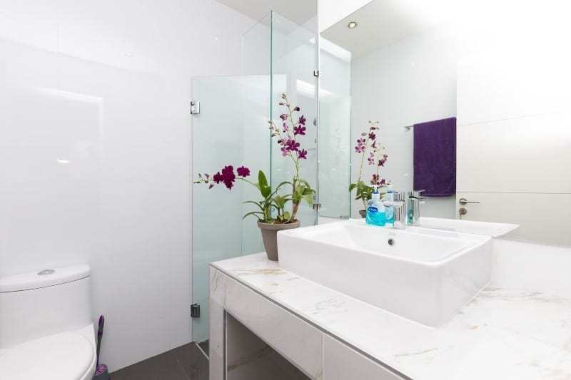 Hua Hin Orchid Paradise Homes show villa for sale bathroom