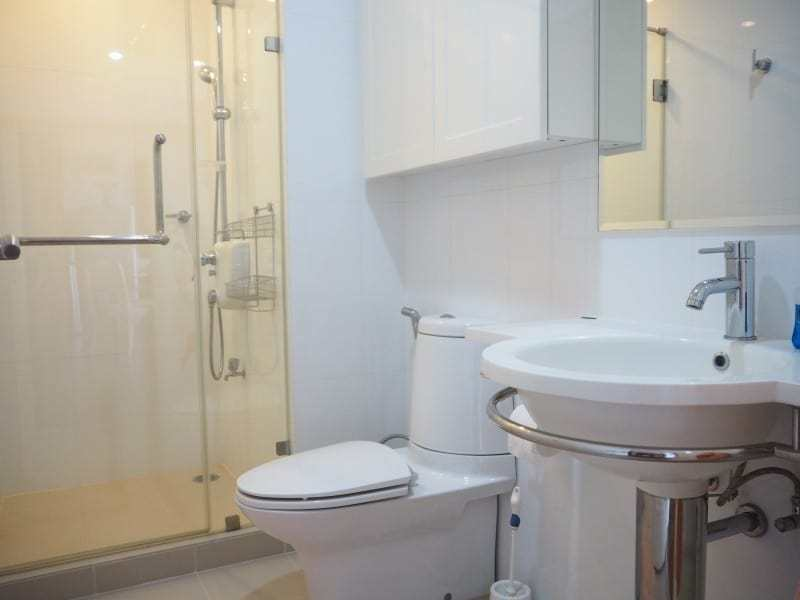 Two bed Boathouse condo for sale bathroom