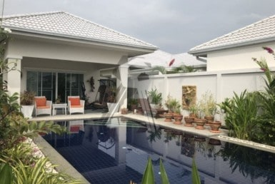 Freehold resale villa Hua Hin front