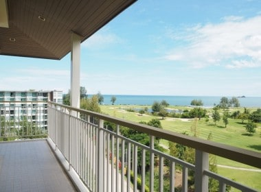 Autumn Hua Hin 2 bed condo for sale balcony
