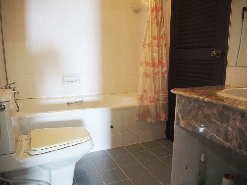 Cha Am sea view condo for sale bathroom